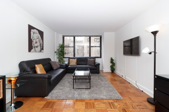 Real estate photographer apartment interior ny nyc new york city murray hill manhattan living room