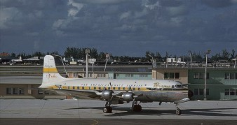El Pacifico - DC-6B (panamericangrace.com).