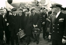 Beatles_arrive_1000_662_85