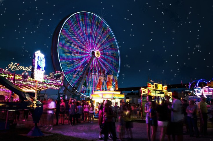 carnival-rides-2648047_1280