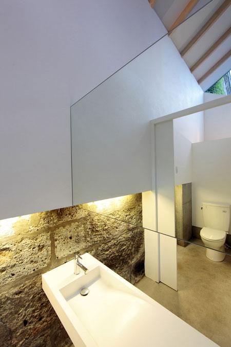 dzn_tokinokura-lavatories-shimodate-by-shuichiro-yoshida-architects-6.jpg