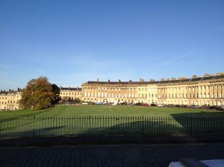 Enough pounding pints and back to pounding the pavement. The gorgeous Royal Crescent is a perfect example of Neoclassical (Georgian in Britain) Palladian architecture. Check out how balanced and symmetrical the lines are. Think Age of Reason - logic, order, left brain.