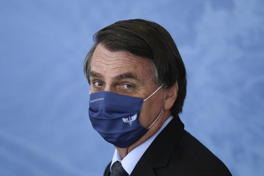 Se ficar em lockdown 30 dias e acabar com o vírus, eu topo', diz Bolsonaro    Jovem Pan