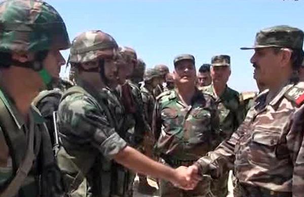 بتوجيه من الرئيس الأسد.. وزير الدفاع يزور موقعاً عسكرياً بالمنطقة الجنوبية