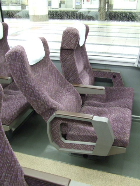 Ordinary seat of JR 651