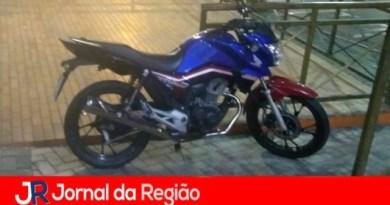 Moto de motoboy é furtada
