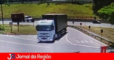 Quadrilha rouba carreta no Km 67 da Anhanguera