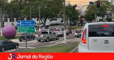 Locadoras devem emplacar carros na cidade de origem