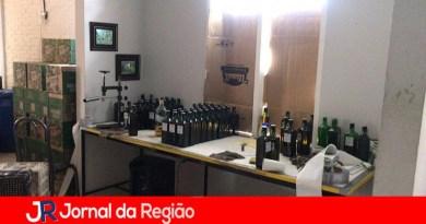 Polícia Rodoviária fecha fábrica de bebidas falsas