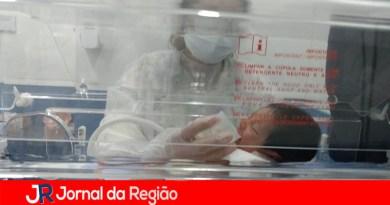 Bebês internados em UTIs precisam de leite materno