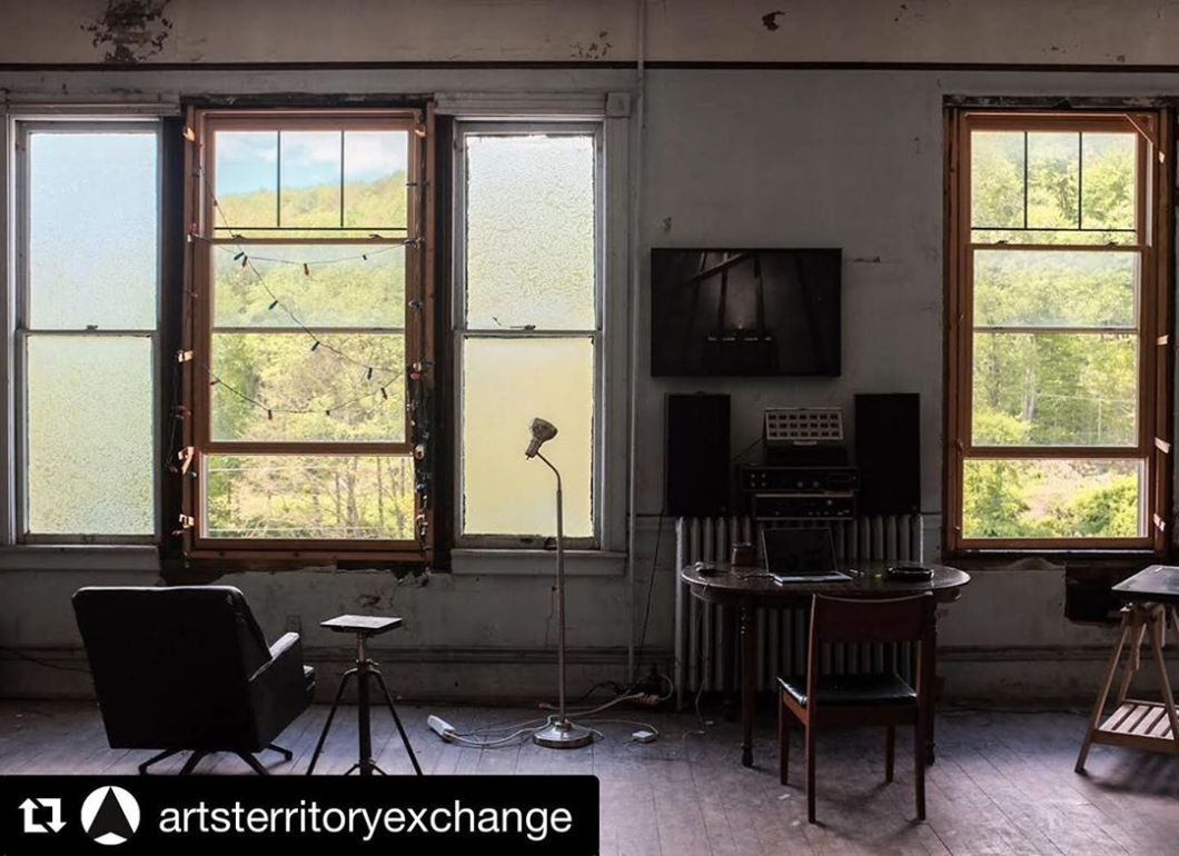From @artsterritoryexchange ・・・ Studio view from aTE member John Ryan Brubaker @jrbrubaker In Thomas, West Virginia.  Brubaker has for the past 7 years, split his time between Thomas, West Virginia US and Brussels, Belgium.  Thomas, an ex-coal mining town of approximately 500 people informs much of his recent practice.  As a photographer he is interested in space and movement, especially across political and geographical boundaries. A recent collaborative piece of work involved rocks from the mountains in Morrocco being transplanted to West Virginia in exchange for the recitation of a text into a canyon.  John Ryan says: 'In particular, I am interested in the visual effects of the urban environment in which most of the planet lives. This includes architecture and public space, as well as passageways and transit lines, advertising, public art, cultural remnants and the emerging visual landscape of digital culture.  My work is often based on explorations of unknown spaces, and the aimless wander has become an increasingly important part of my practice. The experience of being off the map or otherwise guided by one's immediate environment itself, has been essential in my most recent projects.  Website: https://jrbrubaker.com  #ateviews #artsterritoryexchange #remoteruralradical