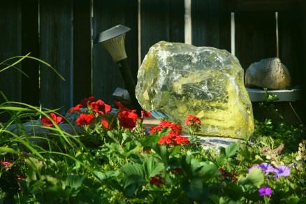 Glass boulder