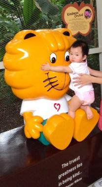 Look Mommy! It's Singa!