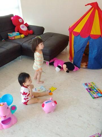 Calista and E watching BabyTV