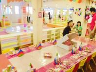 Elaborate Hello Kitty table setting