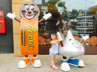 E with Hersheys mascots