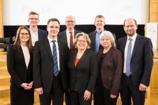 V.l.n.r. Ramona Fels, Frank Osterhage, Dieter Bathen, Stefan Haep, Svenja Schulze, Rupert Henn, Angelika Heinzel, Frank Lechtenböhmer