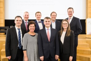 V.l.n.r. Dieter Bathen, Christian Ohm, Ruth Seidl, Michael F. Bayer, Ragnar Warnecke, Klaus Krumme, Ramona Fels, Stefan Berger