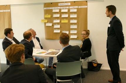"""Ergebnispräsentation des interaktiven Erlebnisforums """"Machine Learning"""" von Fero Labs und FIR beim 21. Aachener Dienstleistungsforum [© FIR an der RWTH Aachen]"""
