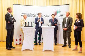 Podiumsdiskutanten: Prof. Dr. Günther Schuh, Prof. Dr. Stefan Bratzel, Markus Dehn, Thomas Schmalen, Udo Sieverding, Edda Dammmüller