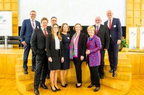 V.l.n.r.: Uwe Schneidewind, Volker Stich, Dieter Bathen, Ramona Fels, Christina Rau, Angela Freimuth, Annette Storsberg, Karl Schultheis, Dirk Meyer