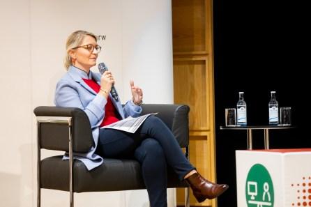 Katja von Loringhoven Leiterin DIALOGistik, Duisburger Hafen AG
