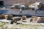 """Altes römisches Theaterstück in Malaga """"Die Touristen"""""""