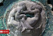 Pompeii: Archaeologists unveil ceremonial chariot discovery