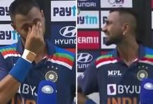 Ind vs Eng 1st ODI: क्रुणाल पांड्या अपने पिता को याद करते हुए आंसुओं में बिखर गए, देखें वीडियो