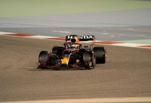 News24.com | Mercedes in trouble? 'Silver Arrows' unstable rear puts Red Bull ahead'