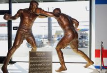 Frazier feted with statue, mural in Philly state