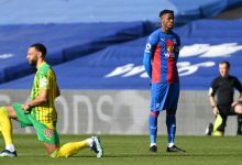 Zaha first PL player to no longer kneel prior to a match