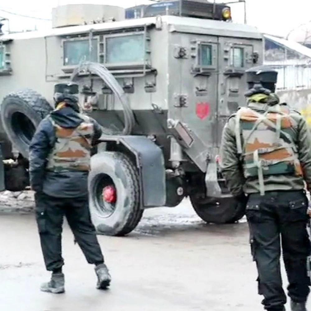 जम्मू-कश्मीर में एनकाउंटर:अनंतनाग में 4 आतंकी ढेर; कुछ और के छिपे होने की आशंका, एनकाउंटर जारी