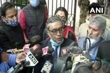 स्वपन दासगुप्ता का इस्तीफा, मनोनीत सांसद को बीजेपी उम्मीदवार बनाने पर महुआ मोइत्रा ने की थी अयोग्य ठहराने की मांग