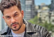 Kunal Kemmu shares picture of himself singing with guitar, asks fans to guess the song