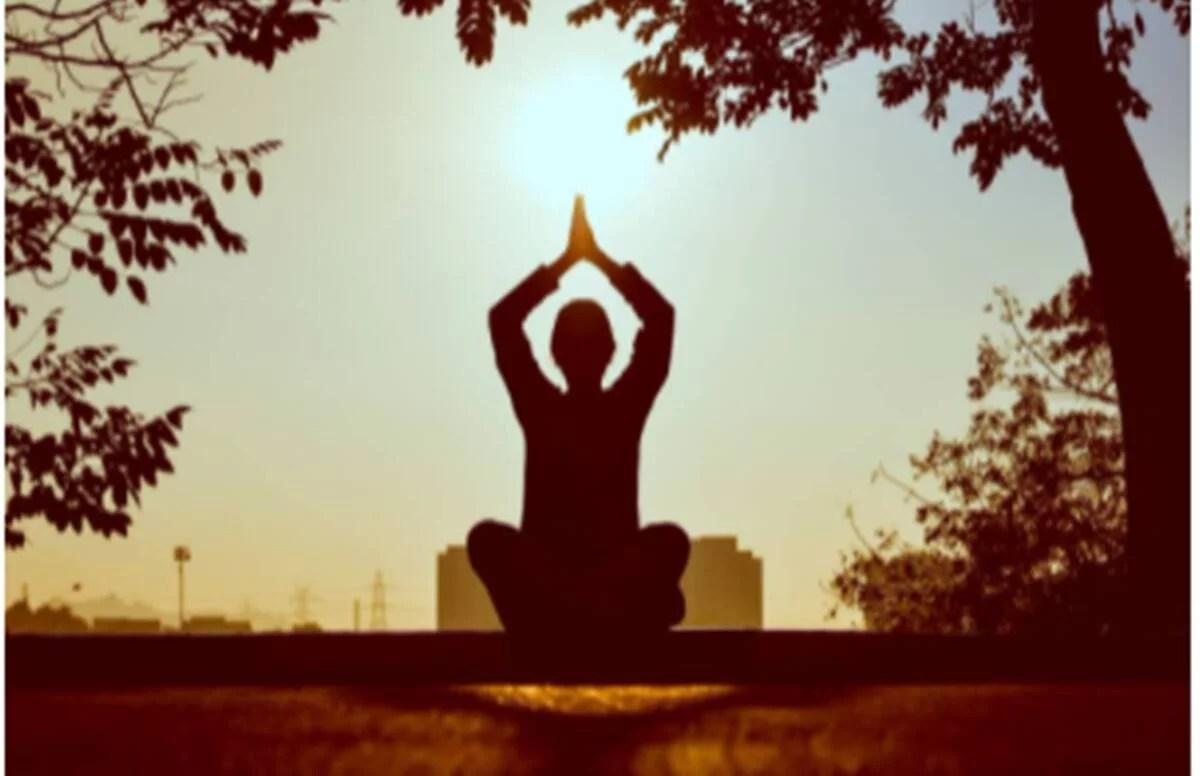 International Yoga Day 2021 Speech, Quotes: योग दिवस पर यहां से तैयार करें स्पीच, देखें बेहतरीन कंटेंट
