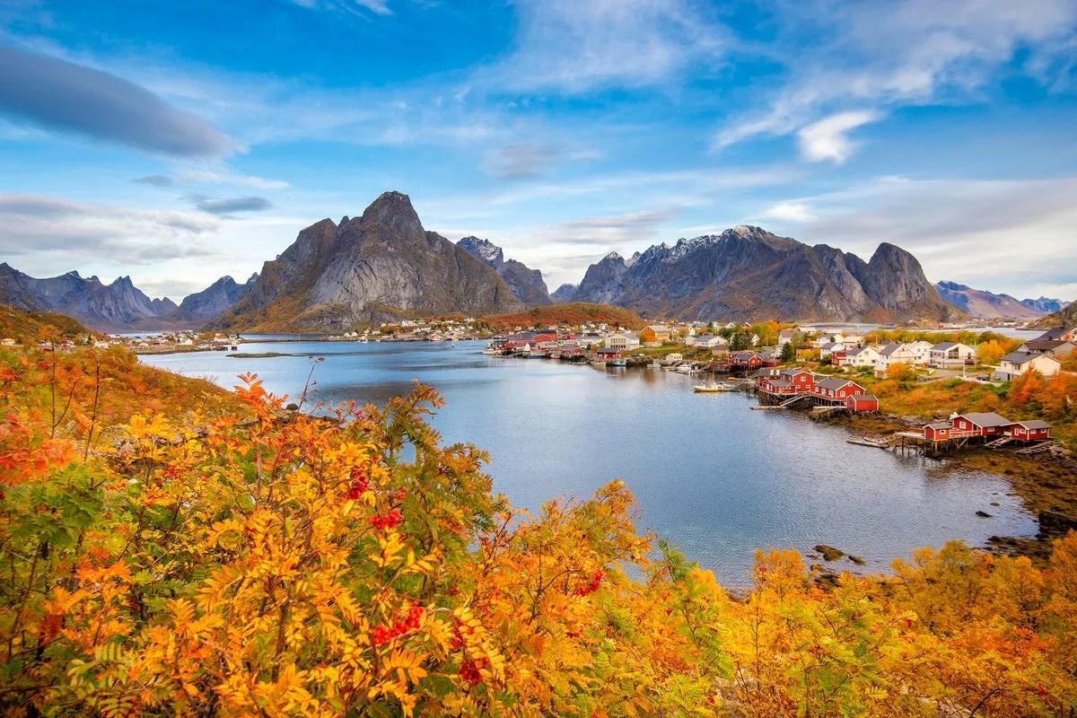 सितंबर 2020 में स्कैंडिनेविया की यात्रा कौन कर सकता है?