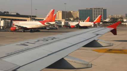 AAI Recruitment news: Applications invited for Senior Assistant, earn up to Rs 1 lakh
