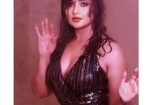 Rashami Desai sets the temperatures soaring with these HOT pictures