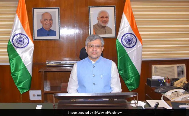 मधुपुर-अहमदाबाद ट्रेन को रेल मंत्री अश्विनी वैष्णव ने दिखाई हरी झंडी, बैद्यनाथ धाम को सोमनाथ धाम से जोड़ेगी