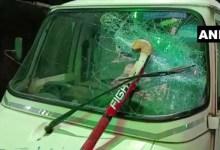 पश्चिम बंगाल: दुर्गा विसर्जन से लौटते लोगों पर देसी बमों से हमला, वाहनों में भी की तोड़फोड़