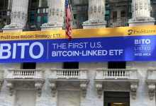 पहला बिटकॉइन फ्यूचर्स ईटीएफ पहले दिन $ 1 बिलियन से अधिक का कारोबार करता है