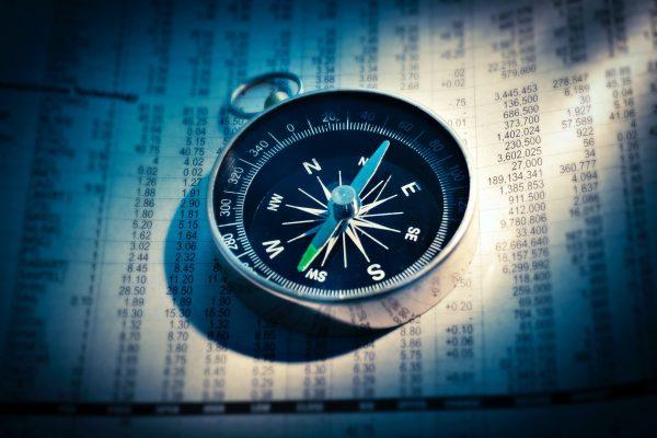 Dia de dados definitivos do PMI e continuação da divulgação de balanços