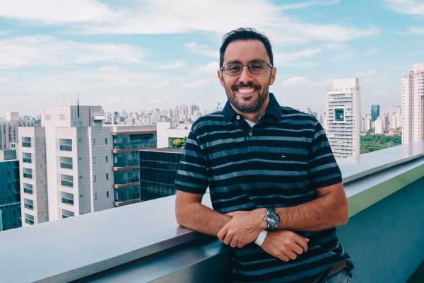 Conrado Navarro é sócio e especialista em finanças pessoais na fintech Grão / Divulgação