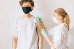 Porto Seguro concede desconto para vacinados contra Covid-19 no Vida Flexível