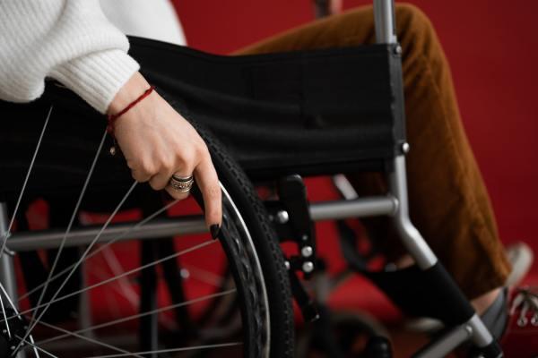 Aon assina compromisso para inclusão de pessoas com deficiência