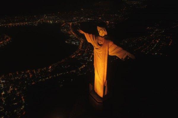 Qualicorp ilumina o Cristo Redentor em ação de conscientização ao Setembro Amarelo / Divulgação