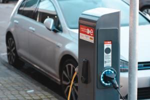 CEABS oferece tecnologia de telemetria para carros elétricos / Foto: Ernest Ojeh / Unsplash Images