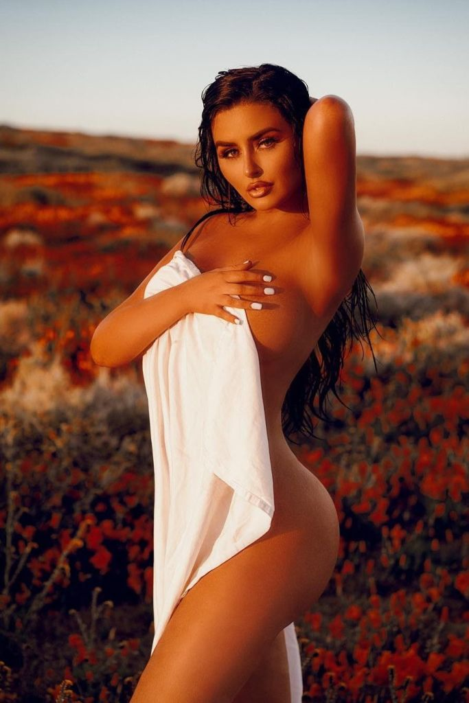 Abigail Ratchford Bares Her Bod At The Beach Avaxhome Celebgate 1
