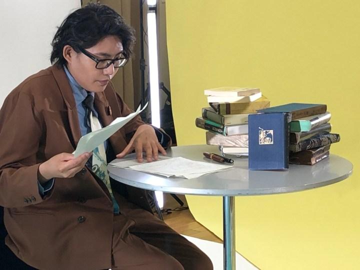 "Kinoshita is recording his first lecture of ""Kabuki hiraki Machi meguri"""